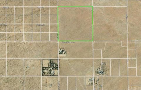 Photo of 13500 Desert View Ave, North Edwards, CA 93523