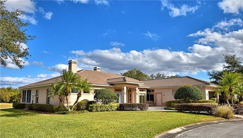 Cypress Gardens, FL Homes With Special Features