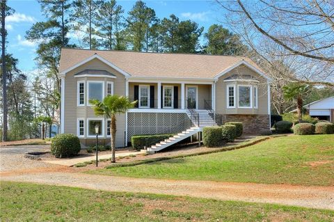 Photo of 429 Island Point Rd, Starr, SC 29684