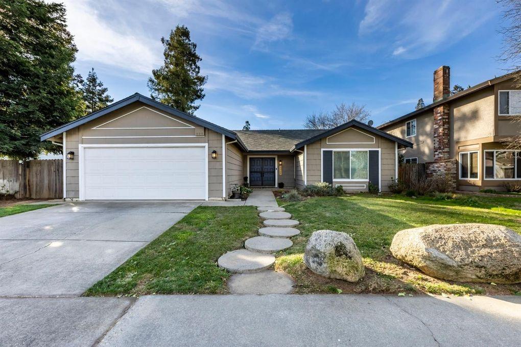 8936 Castle Park Dr Elk Grove, CA 95624
