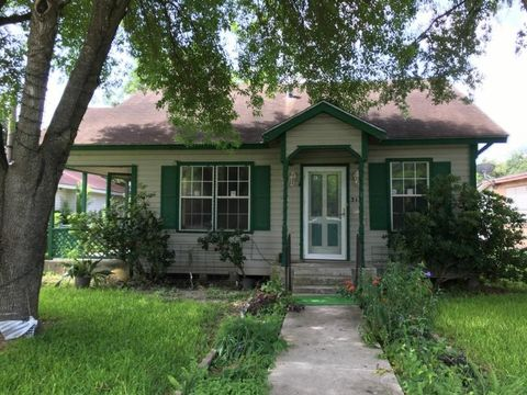 315 Alice Ave, Kingsville, TX 78363