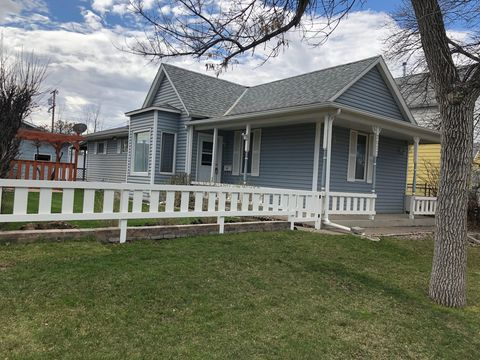 Photo of 2022 8th Ave N, Great Falls, MT 59401