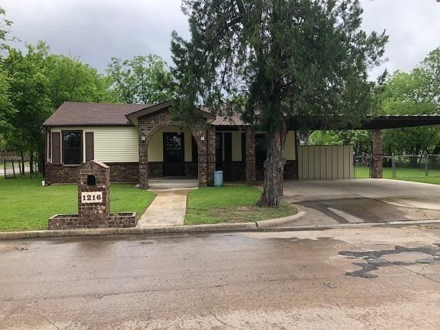 1216 SE 16th St Mineral Wells, TX 76067