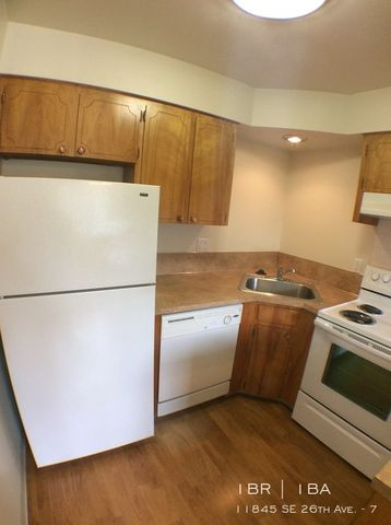 Photo of 11845 Se 26th Ave Apt 7, Milwaukie, OR 97222