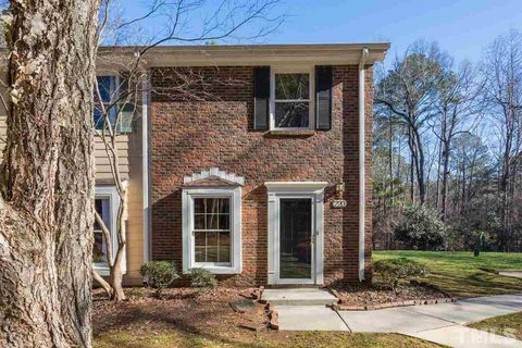 220 Colonial Townes Ct, Cary, NC 27511
