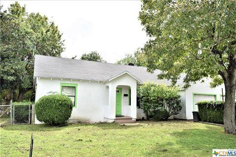 Photo of 1102 Baumgarten St, Schulenburg, TX 78956