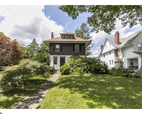 26 Simpson Rd, Ardmore, PA 19003