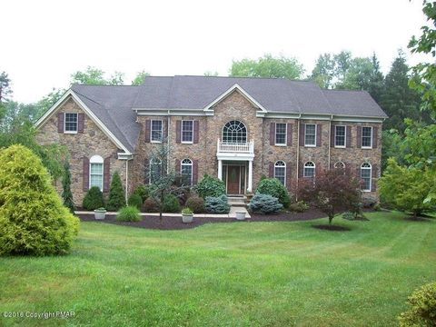 113 Spring Hill Farm Ln, East Stroudsburg, PA 18302