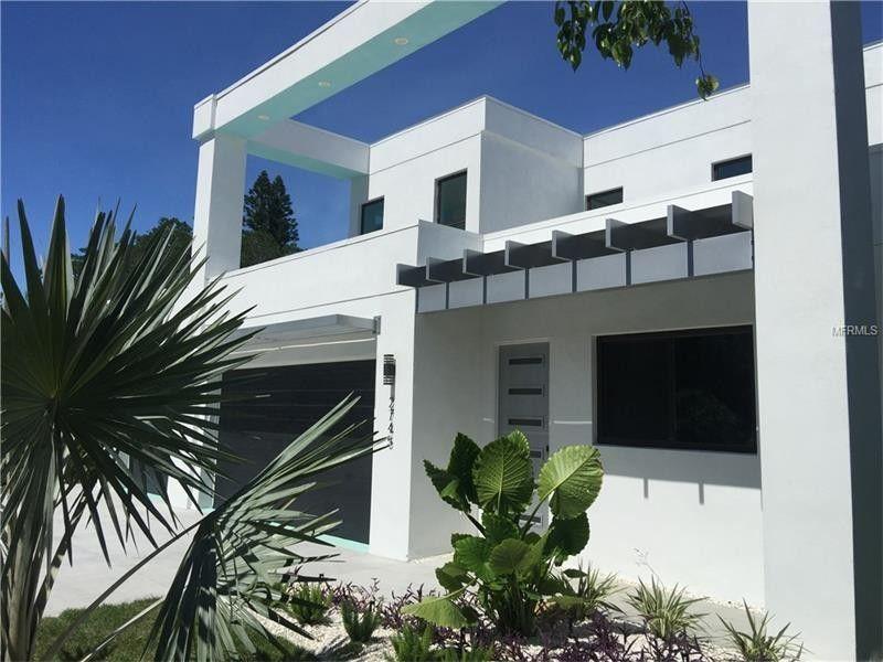 1705 School St, Sarasota, FL 34239