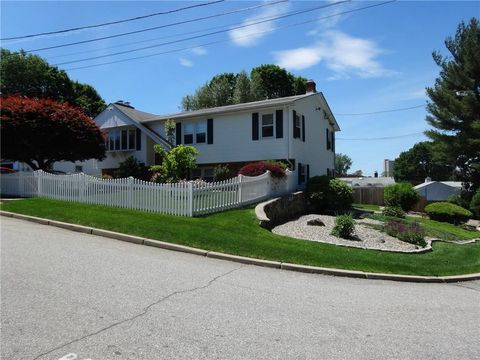 Photo of 66 Plaza St, Cranston, RI 02920