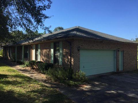 791 Pinewood Dr, Defuniak Springs, FL 32433