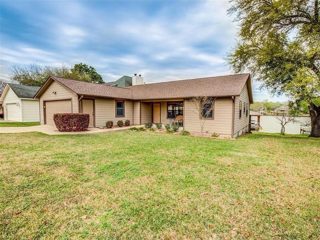 259 New Cove Dr, Livingston, TX 77351