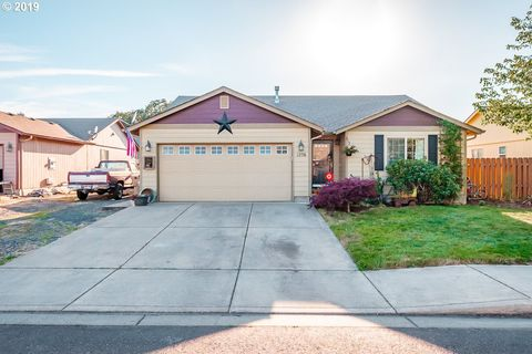 Photo of 1256 Linden Ct, Sweet Home, OR 97386