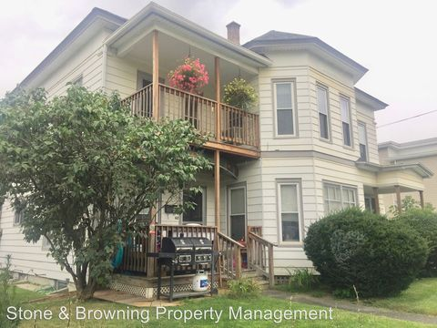 Photo of 62 Maple Ave, Barre, VT 05641