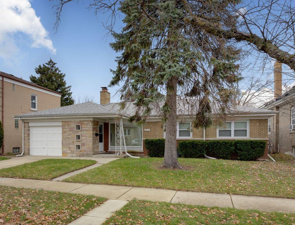 7811 Kenneth Ave, Skokie, IL 60076