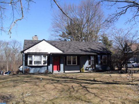 221 Morris Rd, Lansdale, PA 19446