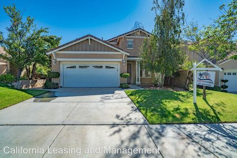 Photo of 29968 Cambridge Ave, Castaic, CA 91384