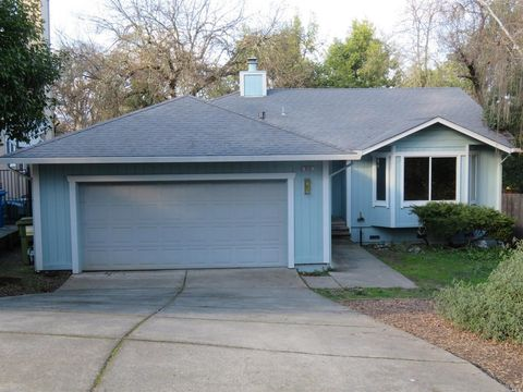 Photo of 915 Hazel Ave, Ukiah, CA 95482