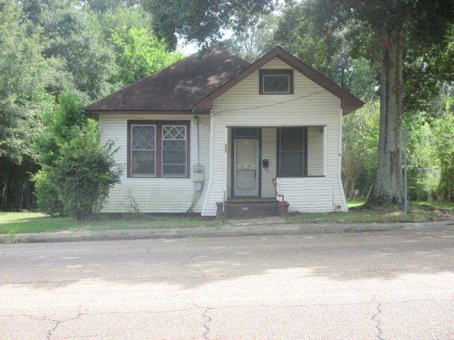 827 Delaware Ave, McComb, MS 39648