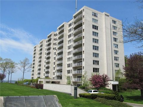 Photo of 1324 S Shore Dr, Erie, PA 16505