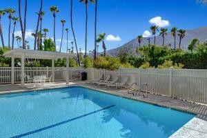 223 W Via Escuela Palm Springs, CA 92262