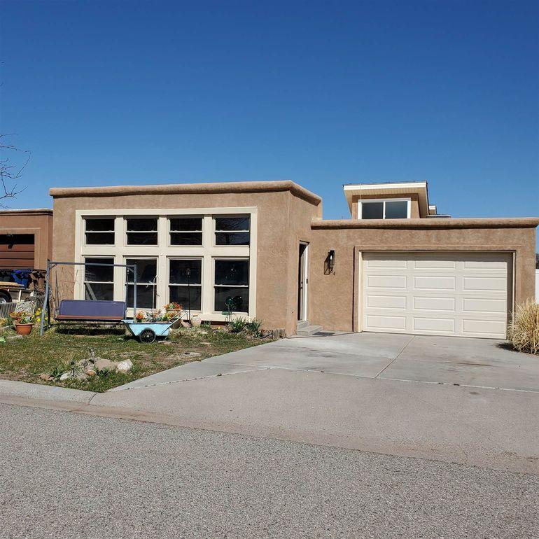 384 Ridgecrest Ave Los Alamos, NM 87547