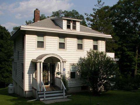 104 Mamakating Rd, Bloomingburg, NY 12721