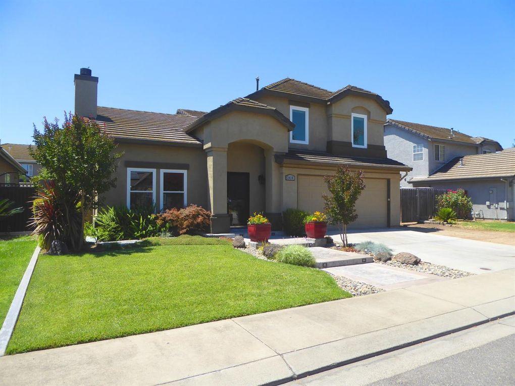 2418 Colony Manor Dr Riverbank, CA 95367
