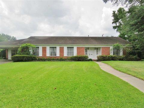3670 Crestwood Dr, Beaumont, TX 77706