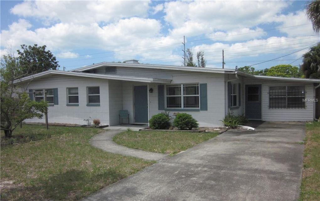 1061 Jackson St Largo, FL 33770