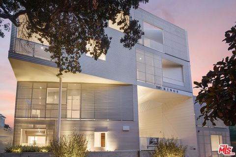 Photo of 1030 N Kings Rd Unit 307, West Hollywood, CA 90069