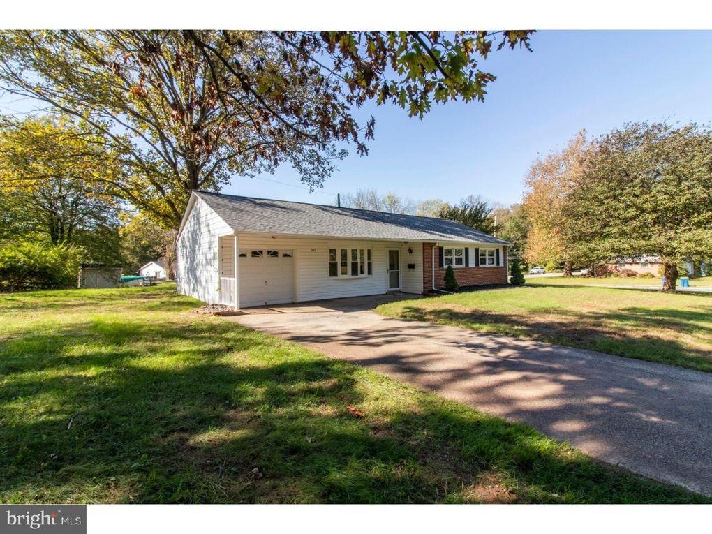242 Brookside Rd, East Norriton, PA 19401