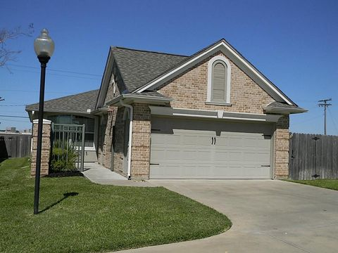 367 Stone Hill Dr, Brenham, TX 77833