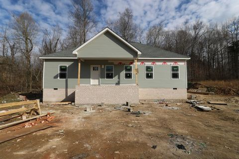 Photo of 1236 Rogues Fork Rd, Bethpage, TN 37022