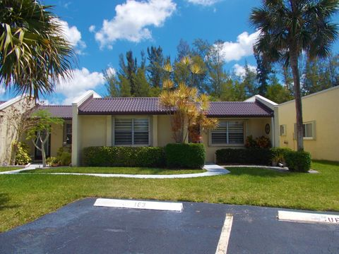 Photo of 218 Lake Meryl Dr, West Palm Beach, FL 33411