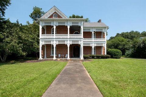 152 W Broad St Fairburn GA 30213 House For Sale