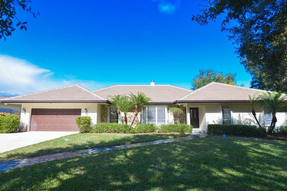 5125 Woodland Lakes Dr, Palm Beach Gardens, FL 33418