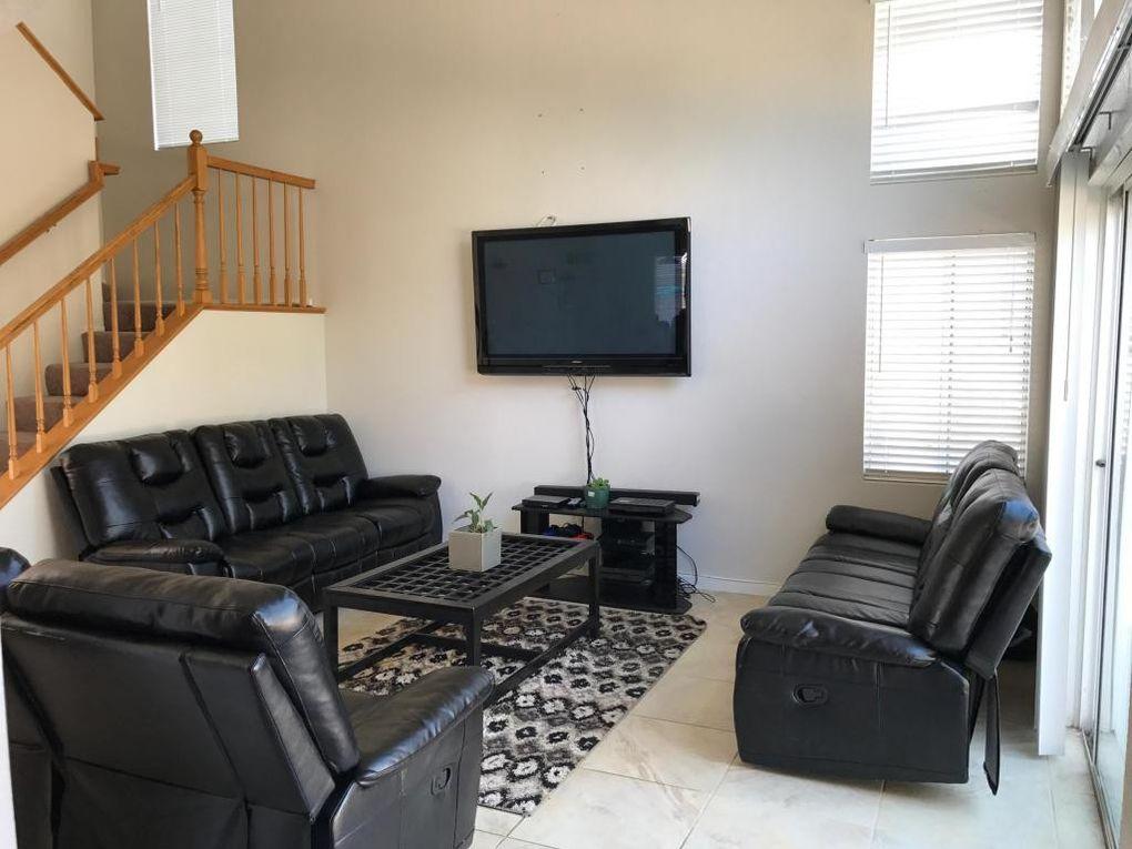 2307 Sandstone Ct, Palmdale, CA 93551