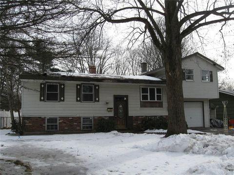 Photo of 406 Northrup Dr, Utica, NY 13502