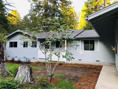 Photo of 17700 Redwood Springs Dr, Fort Bragg, CA 95437