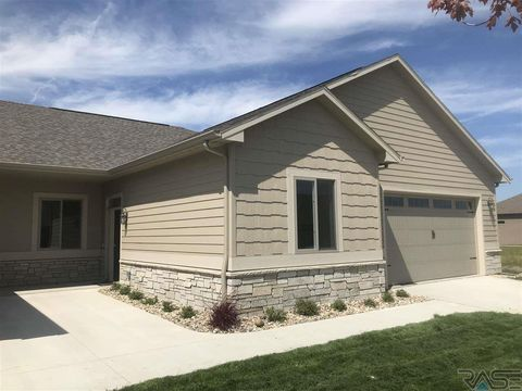 Photo of 7409 S Grand Arbor Ct, Sioux Falls, SD 57108