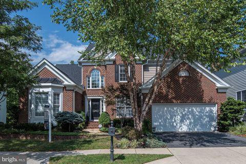 Photo of 513 Oak Knoll Ter, Rockville, MD 20850