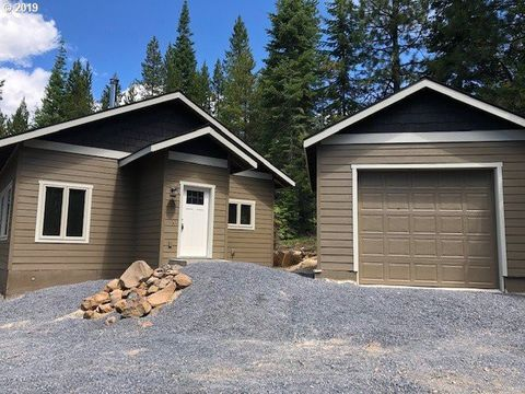 Photo of 141706 Lake Vista Way, Crescent Lake, OR 97733
