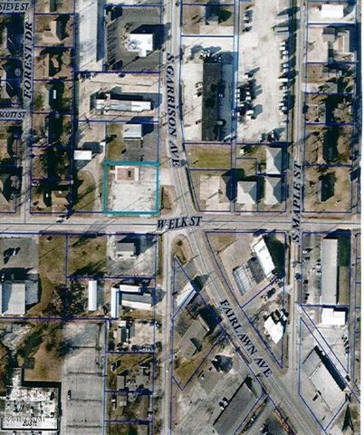 2141 S Garrison Ave, Carthage, MO 64836