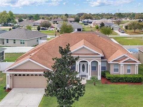 Photo of 36300 Grand Island Oaks Cir, Grand Island, FL 32735