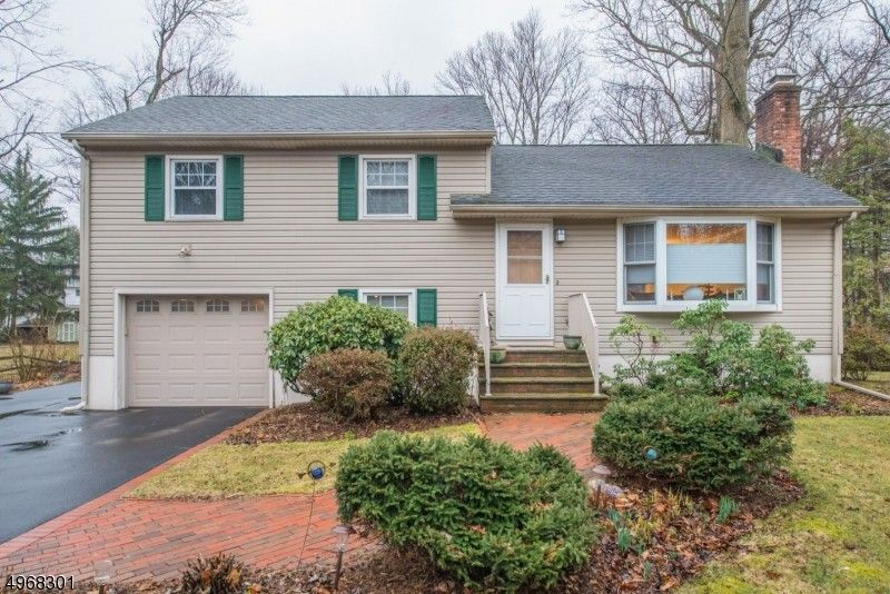 688 Tabor Rd Parsippany Troy Hills Township, NJ 07950