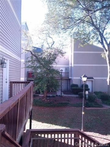 1635 Merry Oaks Rd, Charlotte, NC 28205