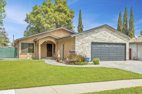 Photo of 6928 Heaton Moor Dr, San Jose, CA 95119