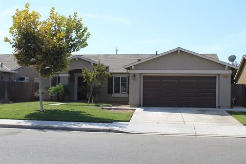 Photo of 5270 E Garrett Ave, Fresno, CA 93725