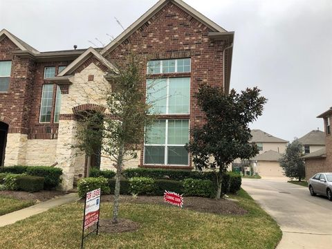 Photo Of 9151 Solvista Pass Ln Houston Tx 77070 Townhome For Rent